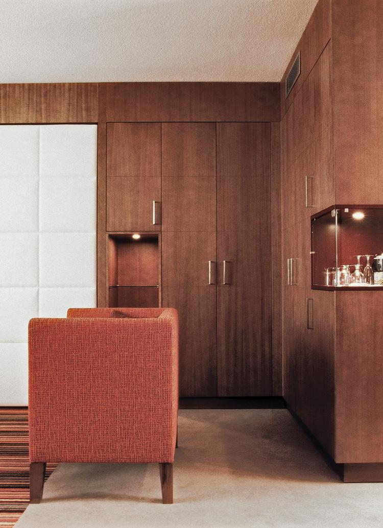 Innenarchitekt Interior Design Hotel Hotellerie Restaurant Retail: Hotel Mövenpick, Zurich Airport