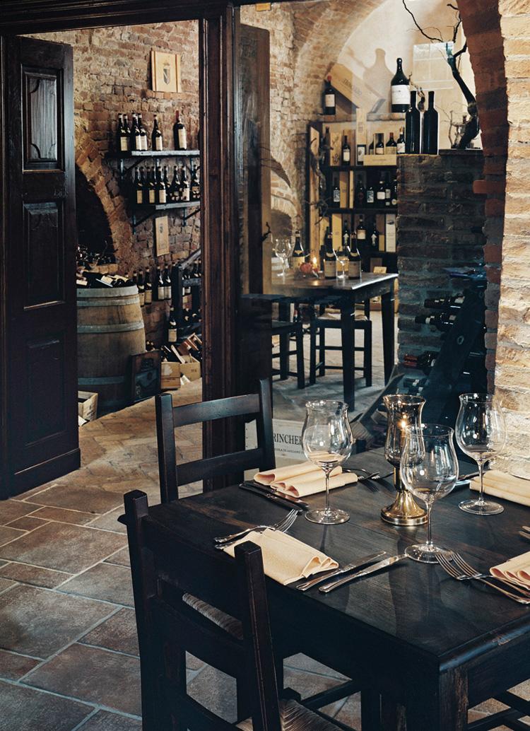 Innenarchitekt Interior Design Hotel Hotellerie Restaurant Retail: Ristorante Castello di Villa Isola d'Asti