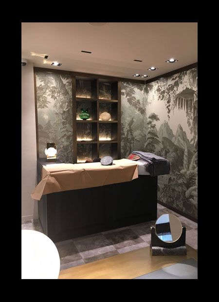 Juwelier Kurz Freiestrasse Basel – detailed precision – drawing the hand-painted panorama wallpaper – storytelling for the bar corner