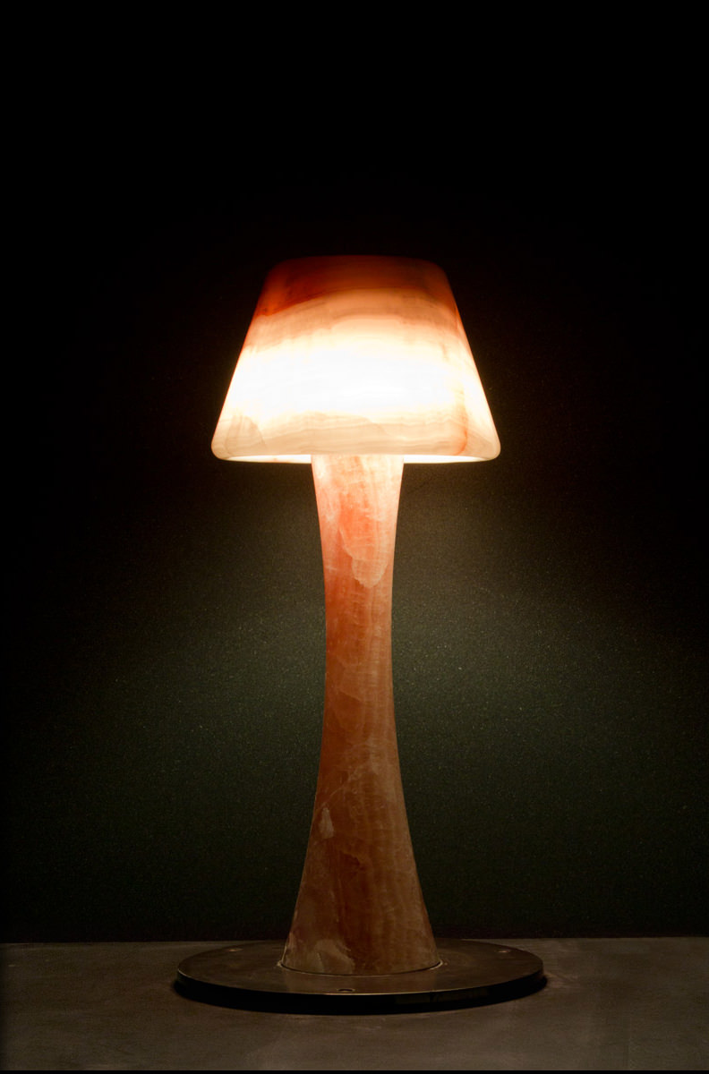 Leuchte aus Naturstein Onyx